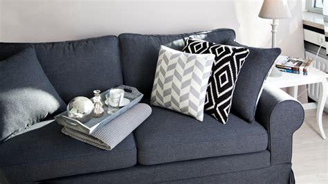 coussin pour canapé noir coussin noir à petits prix ventes priivées westwing