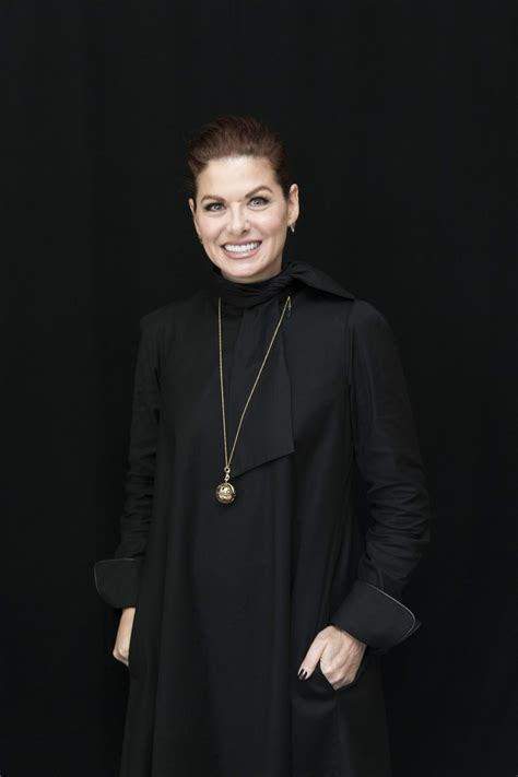 debra messing photocall  west hollywood