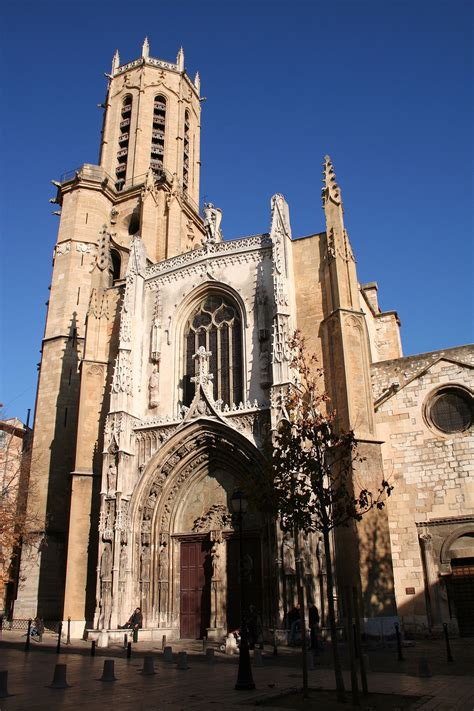 bureau aix en provence aix cathedral