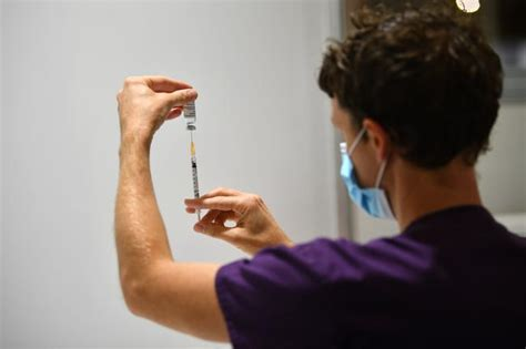 We describe saefvic's initial investigation and upon conclusion of the 2015 influenza vaccination programme, to. Victoria to open three mass vaccination hubs to kickstart vaccine rollout   7NEWS.com.au