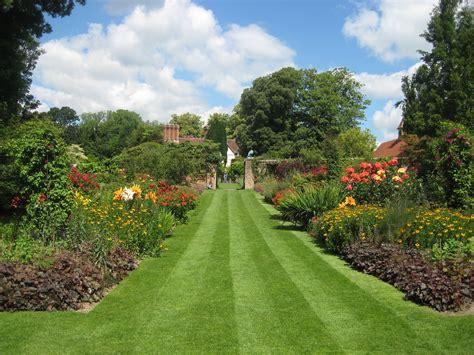 garden pictures gallery cinque ports gardens pashley manor