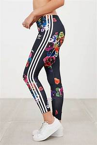 Adidas Trefoil Leggings Outfit