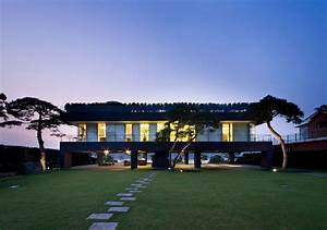 Modern Korean House Inspired by Traditional Architecture ...