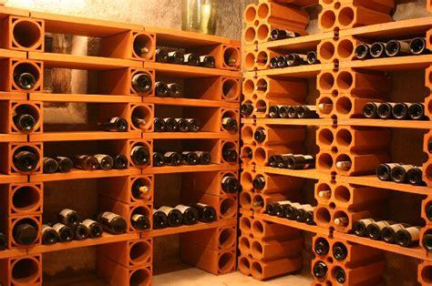 chambrer le vin casier terre cuite cave a vin