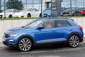 T Roc Volkswagen : volkswagen t roc r spied pictures auto express ~ Carolinahurricanesstore.com Idées de Décoration