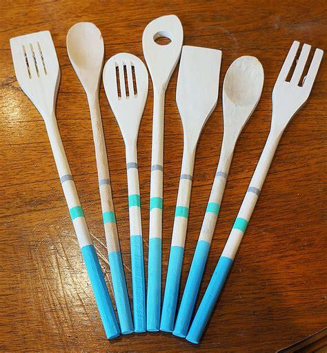 diy wooden spoons    cutlery decorating