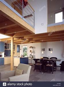 Wohn Esszimmer Küche : einfamilienhaus wohnung k che esszimmer esstisch obergeschoss galerie moderne wohn haus ~ Markanthonyermac.com Haus und Dekorationen