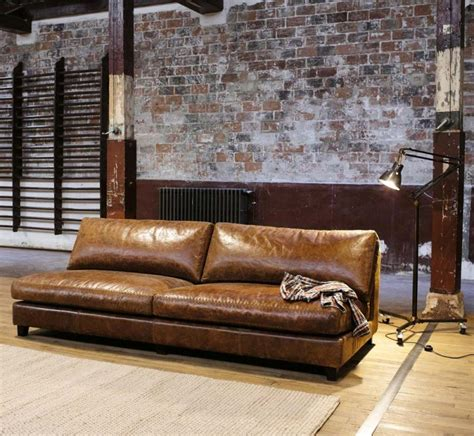 entretien du cuir canapé 13 idées déco de canapé en cuir marron