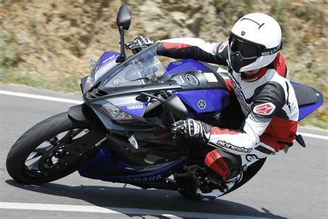 First Ride 2014 Yamaha Yzfr125 Review Visordown