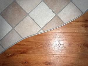 Teppich Auf Fliesen : boden verlegen lassen teppich holzb den dielen parkett laminat kork linoleum und pvc ~ Eleganceandgraceweddings.com Haus und Dekorationen