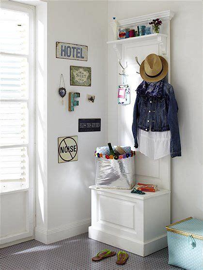 garderobe für kleine flure kleine garderobe im landhaus stil mit zus 228 tzlichem