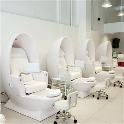 white egg shaped spa pipeless pedicure chair used foot