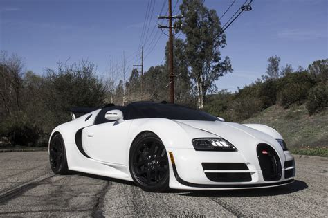 beautiful white bugatti veyron vitesse front side view ...
