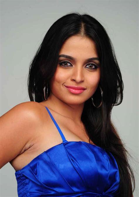 indubindu hot  sexy wallpapers sheena shahabadi