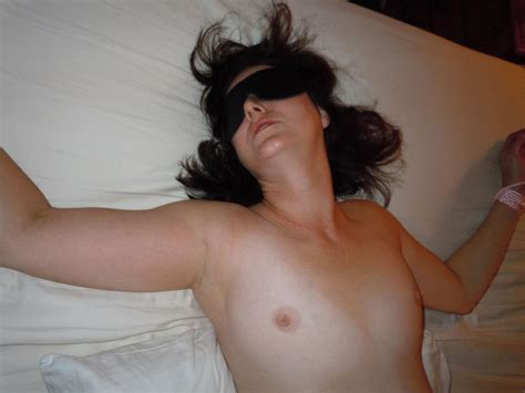 Mature Wife Blindfolded And Used For Sex In Hotel Pictures
