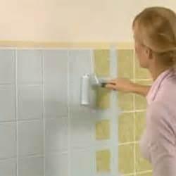 malowanie plytek w lazience tani sposob na zmiany na With can you paint over bathroom wall tiles