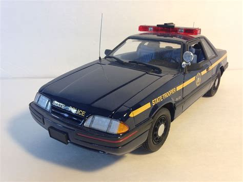 1 18 police car with 2001 gmp ford mustang 5 0 blue new york state police car