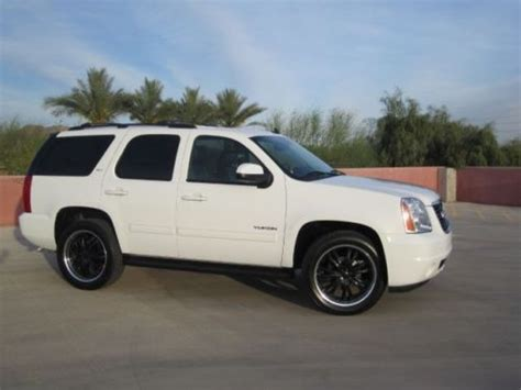 sell   gmc yukon slt white    wheels clean  scottsdale az