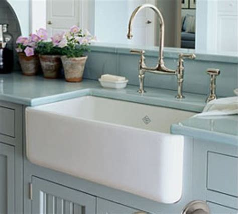 barn style sink 10 ways to add farmhouse style farmhouse kitchens
