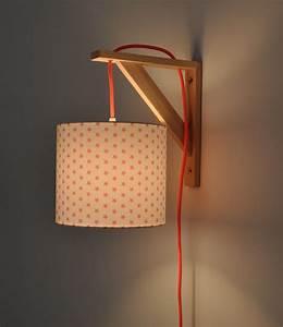 Lampe De Chevet Originale : applique murale lampe de chevet le monde de l a ~ Teatrodelosmanantiales.com Idées de Décoration