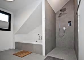 bad dachschrge badgestaltung dachschrge innen und möbelideen