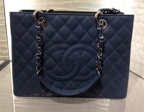 chanel gst timeless classic woc  reissue bag colors  pre fall  spotted fashion