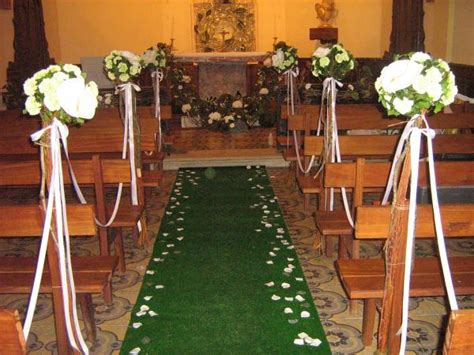 decor d eglise pour un mariage composition bouquet fleurs
