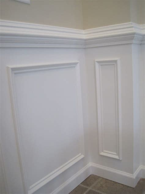 Beautify Your Living Spaces With Wainscoting Chair Rail