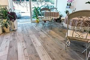 Pavimenti: gres, effetto legno, scontato Cose di Casa