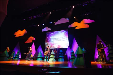 conical christmas church stage design ideas