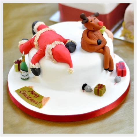 sugarpaste christmas cake decorations