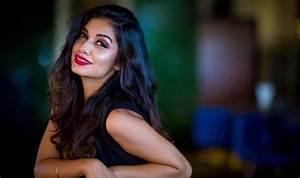 Splitsvilla 10 Fame Divya Agarwal Makes Her Bollywood ...