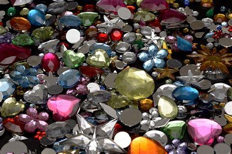 semi precious stones tinker  photo  pixabay