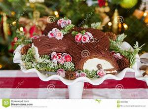 Decoration De Buche De Noel : buche de noel cake stock photo image of display hungry 36245880 ~ Preciouscoupons.com Idées de Décoration