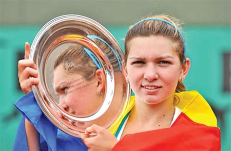 Simona Halep Age, Height, Weight, Date Of Birth, Birth Place, Wiki, Bio | AgeCalculator.Me