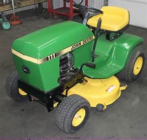 John Deere 111 Lawn Mower