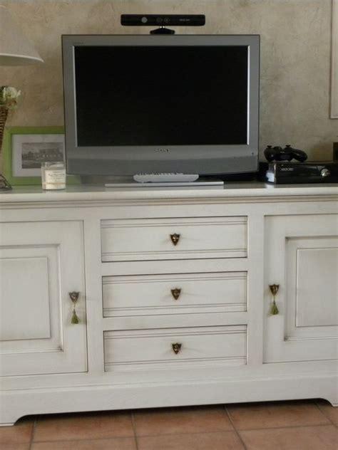 cuisiniste omer meuble tv laqué blanc patine chocolat gilles martel