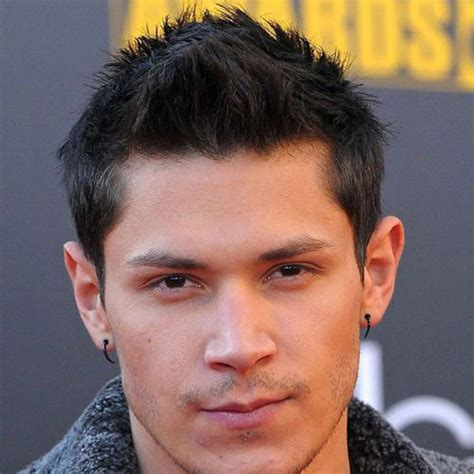 19 College Hairstyles For Guys   Men's Hairstyles
