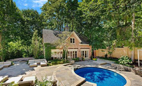 pool house style  modern design