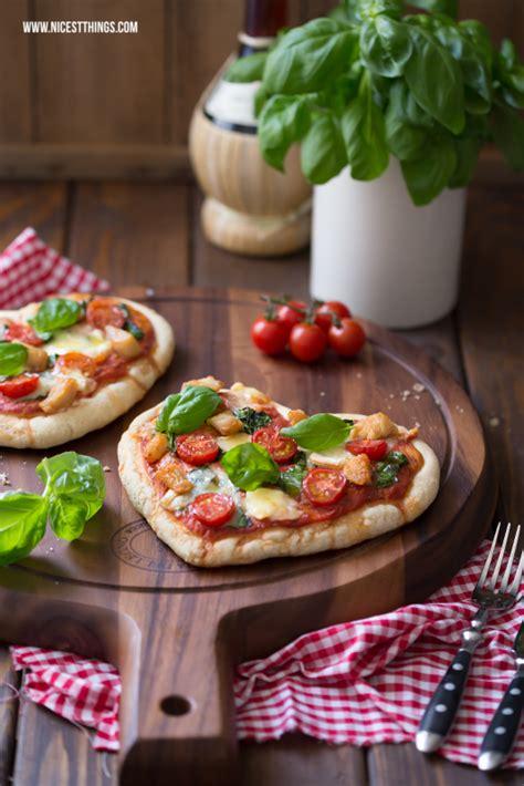 pizza herz herzpizza mit g 233 ramont und h 228 hnchen food pizza rezepte und romantisches essen