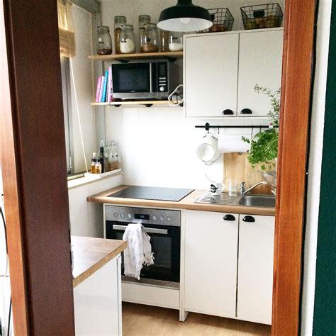 Kuche Kleiner Raum by Kleine K 252 Che Mit Esstisch Einrichten