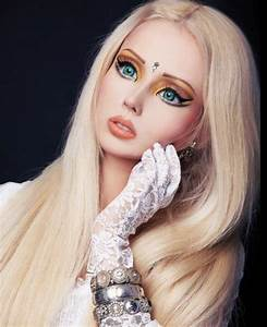 PHOTOS Without makeup, Human Barbie Valeria Lukyanova ...