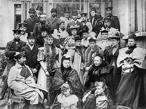 British Monarchy: Queen Victoria and Queen Elizabeth II ...