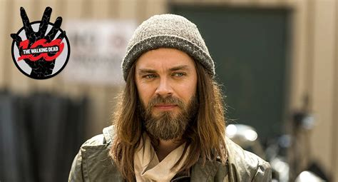 tom payne finance the walking dead 5 things you didn t know about tom payne