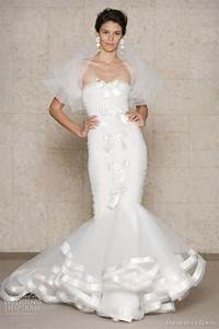 Oscar de la renta wedding dresses fall 2011 wedding for Oscar de la renta mermaid wedding dress