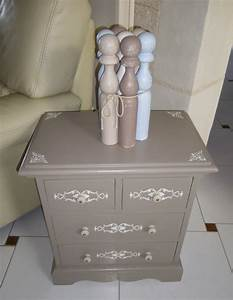 jolie petite commode meuble dappoint chevet avec 4 With meuble peint couleur taupe