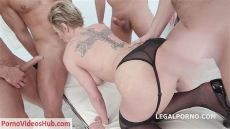 Legalporno Presents Fucking Wet With Dee Williams 4on1