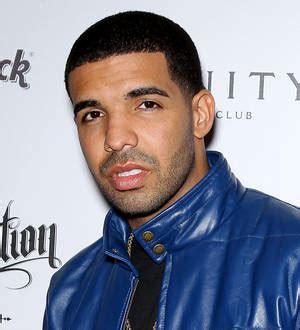 Drake Trips Over Rihanna Gown Backstage Mtv Vmas