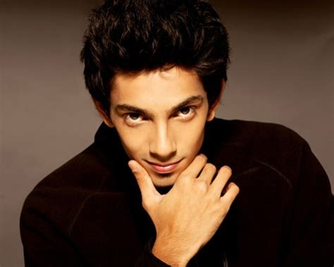 Anirudh Ravichander Has Special Treat For Fans On His