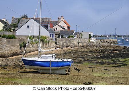 image de port port louis bretagne fr bateau bas mar 233 e csp5466067 recherchez des